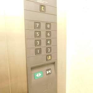 コープ戸山台のエレベーターホール、エレベーター内