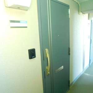 トーア早稲田マンション(7階,)のフロア廊下(エレベーター降りてからお部屋まで)