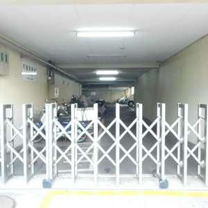 トーア早稲田マンションの駐車場