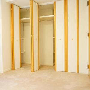 松濤ガーデン(2階,)の洋室