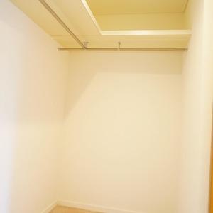 松濤ガーデン(2階,)のウォークインクローゼット