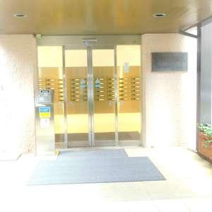 音羽ハウスのマンションの入口・エントランス