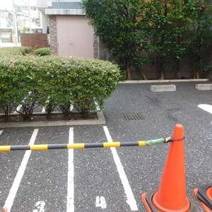 セントパレス池袋の駐車場
