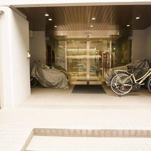 青山セブンハイツのマンションの入口・エントランス