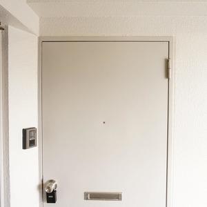 青山セブンハイツ(11階,)のフロア廊下(エレベーター降りてからお部屋まで)