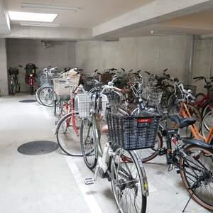 藤和菊川ホームズの駐輪場