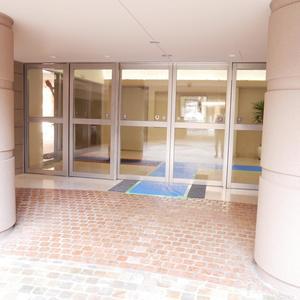 藤和菊川ホームズのマンションの入口・エントランス