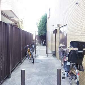 ライオンズマンション中野坂上の駐輪場