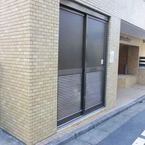 ライオンズマンション中野坂上のごみ集積場