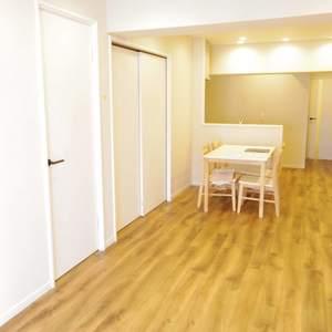 宮園キャピタルマンション(8階,3490万円)の居間(リビング・ダイニング・キッチン)