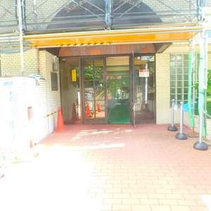 日興パレス高田馬場のマンションの入口・エントランス