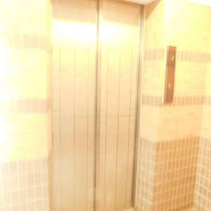藤和シティホームズ神楽坂のエレベーターホール、エレベーター内