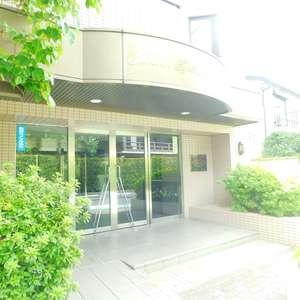 グランシャリオ神楽坂のマンションの入口・エントランス