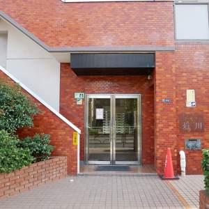 シャンボール菊川のマンションの入口・エントランス