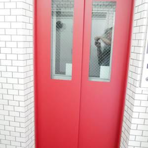 菊川パークホームズのエレベーターホール、エレベーター内