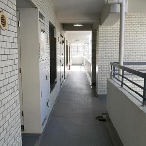 菊川パークホームズ(6階,)のフロア廊下(エレベーター降りてからお部屋まで)