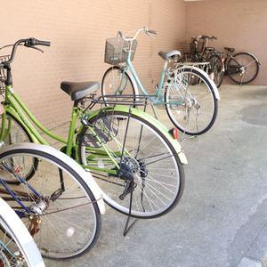 ムサシノコート早稲田の駐輪場