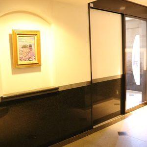 ムサシノコート早稲田のエレベーターホール、エレベーター内