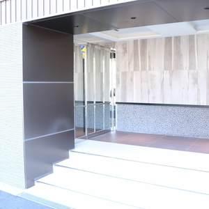 ウィルローズ市谷柳町のマンションの入口・エントランス