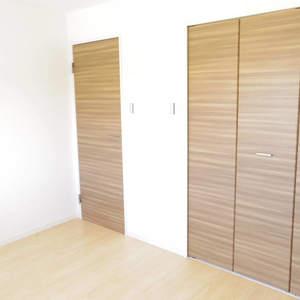 東中野台ローヤルコーポ(4階,2499万円)の洋室(2)