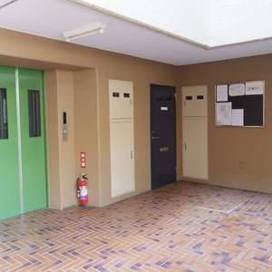 野方サニーハイツのエレベーターホール、エレベーター内