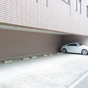ヴェルビュ沼袋の駐車場