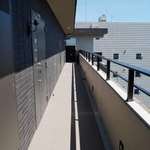 パンセフレスコ(12階,)のフロア廊下(エレベーター降りてからお部屋まで)