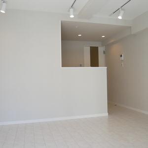 秀和築地レジデンス(10階,3680万円)の居間(リビング・ダイニング・キッチン)