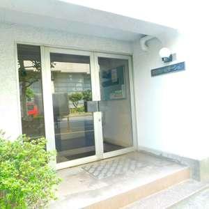 若松町ハビテーションのマンションの入口・エントランス