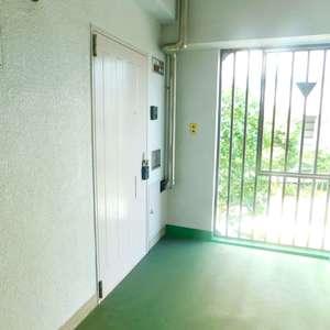 若松町ハビテーション(3階,)のフロア廊下(エレベーター降りてからお部屋まで)