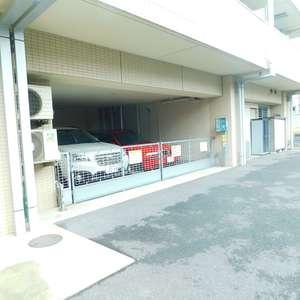 リビオレゾン目白通りの駐車場