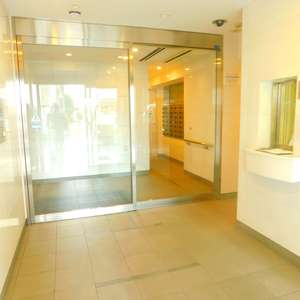リビオレゾン目白通りのマンションの入口・エントランス