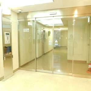 メゾンサンシャインのフロア廊下(エレベーター降りてからお部屋まで)