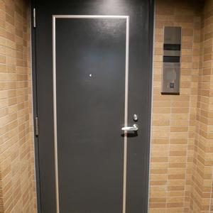 ガラステージ高円寺(3階,2799万円)のフロア廊下(エレベーター降りてからお部屋まで)