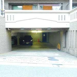 ライオンズガーデン哲学堂の駐車場