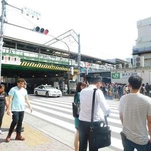 シルバープラザ新宿第2の最寄りの駅周辺・街の様子