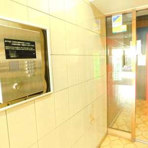 シルバープラザ新宿第2のマンションの入口・エントランス