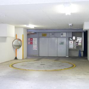 ライオンズマンション池袋の駐車場