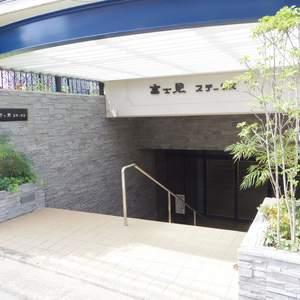 富士見ステータスのマンションの入口・エントランス