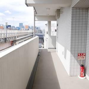 プレストマーロ両国(8階,3980万円)のフロア廊下(エレベーター降りてからお部屋まで)