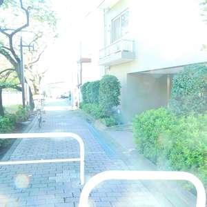 フォレステージ西早稲田のマンションの入口・エントランス