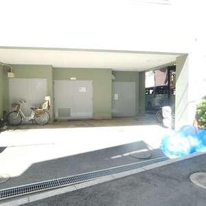 フォレステージ西早稲田の駐輪場