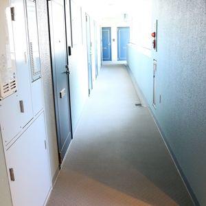 シティコープ上野広徳(6階,)のフロア廊下(エレベーター降りてからお部屋まで)
