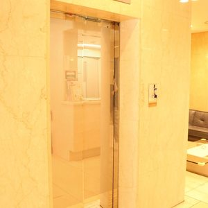 シティコープ上野広徳のエレベーターホール、エレベーター内