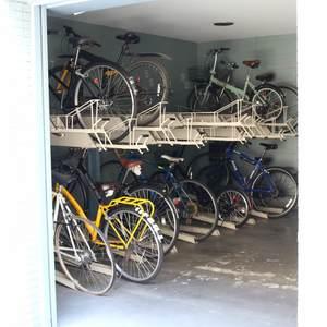 シティコープ上野広徳の駐輪場