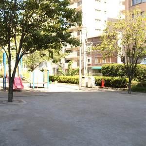 コスモ上野ロイヤルフォルムの近くの公園・緑地