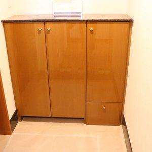 コスモ上野ロイヤルフォルム(4階,)のお部屋の玄関
