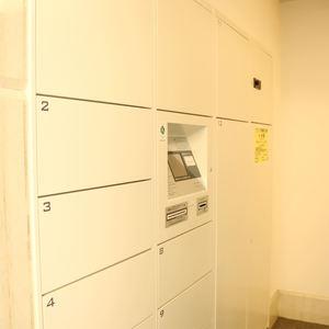 コスモ上野ロイヤルフォルムのエレベーターホール、エレベーター内