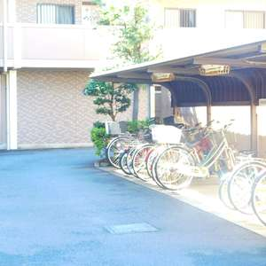 エクセル立教前の駐輪場