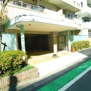 エムブランド新宿戸山公園のマンションの入口・エントランス